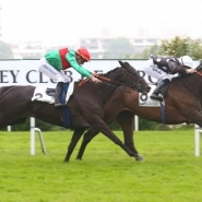 SPEEDY BOARDING dashes to the front in France